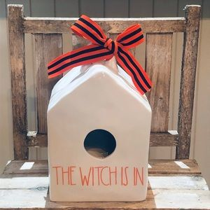 THE WITCH IS IN Birdhouse!